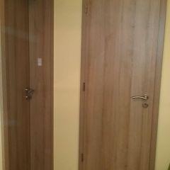 Átfogó tokos tele ajtó